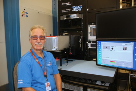 Test technician Phil Meek at the 737 MAX test station in Bellevue, Iowa.